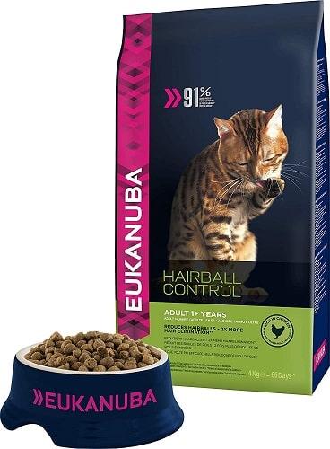 Pienso para gatos Eukanuba adulto Hairball Control