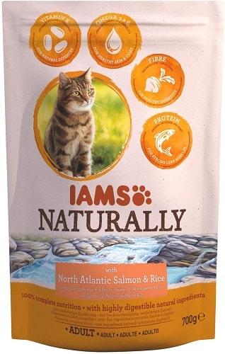 Pienso para gatos IAMS Naturally con salmón y arroz